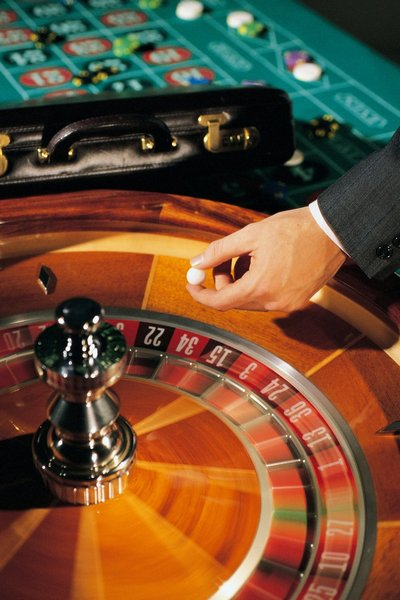 Can a croupier cheat on roulette