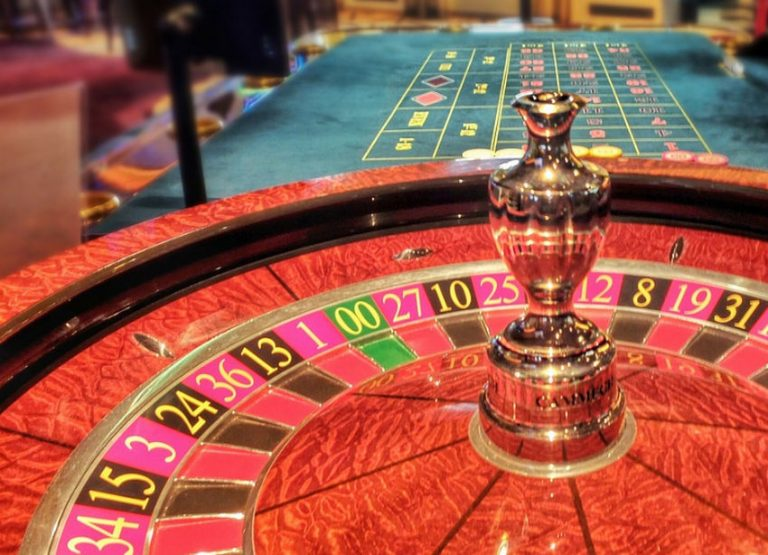 The American vs European Roulette Wheel – Which is Best To Play On?