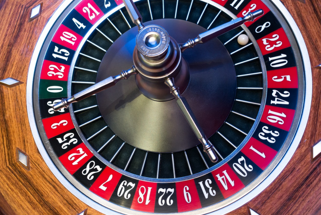 Roulette wheel with win on 8