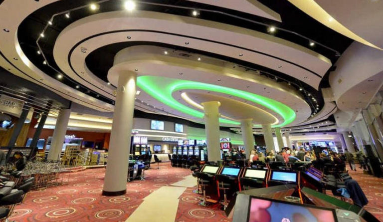 Are UK Casinos Staying Open During COVID-19?